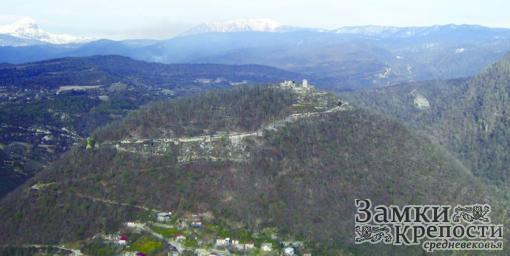 Анакопийская крепость на вершине горы