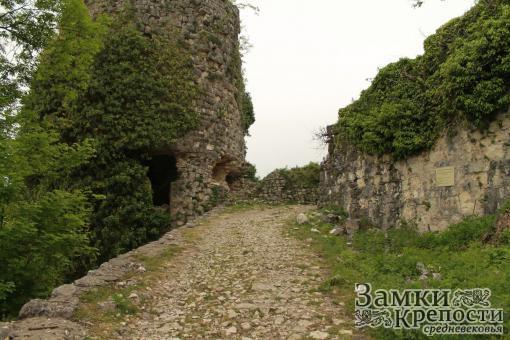 Вход в Анакопийскую крепость