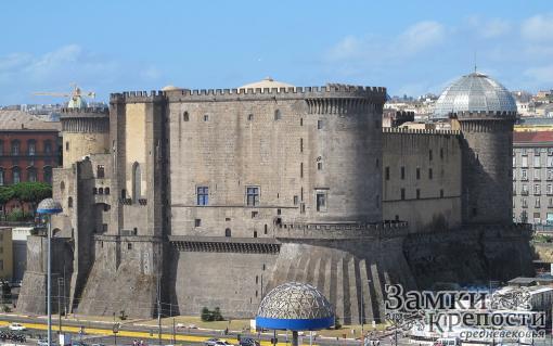 Кастель Нуово со стороны Неаполитанского залива