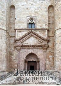 Вход в Кастель-дель-Монте