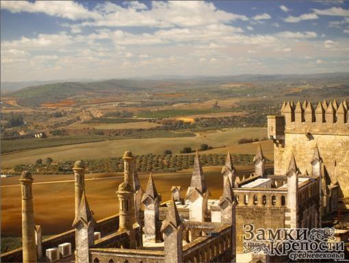 Вид на окрестности со стен замка Альмодовар
