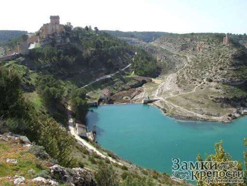 Изгибы реки Хукар и замок Аларкон