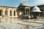 Цитадель Алеппо - внутренний двор Великой Мечети