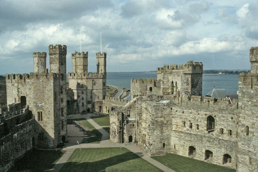 Замок Карнарвон | Замки Уэльса | Британские острова | Замки и ...