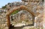 Замок Монфор - остатки церкви